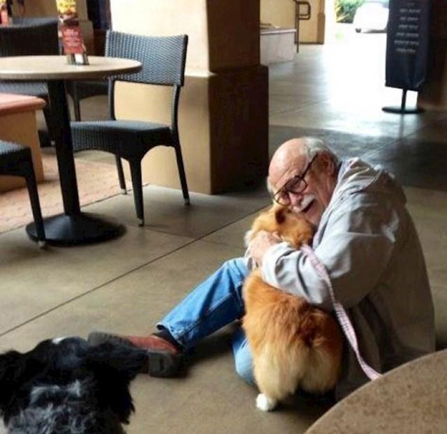 Moja corgi, donio je radost starijem muškarcu kojeg je jutros upoznao.
