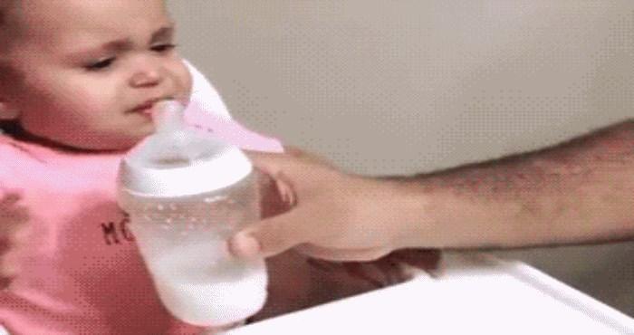 Dijete nije moglo prestati plakati, nećete vjerovati što ga je uspjelo smiriti
