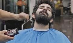 VIDEO U salon je ušao zarasle kose, a izašao neprepoznatljiv