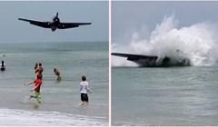 Video koji je šokirao milijune: Trudnica je pozirala na plaži, a iza nje odjednom se srušio avion
