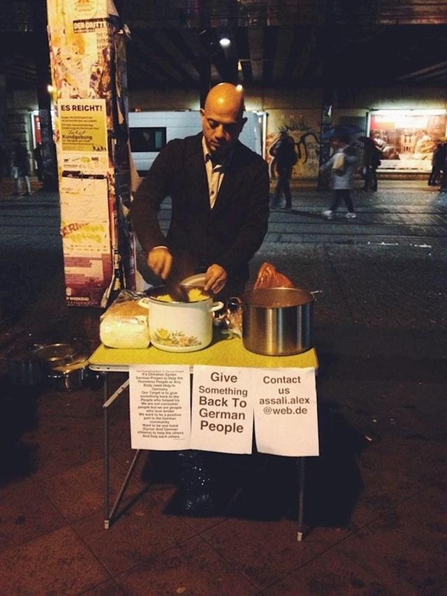 14. Alex Assali, sirijski je izbjeglica koji kuha hranu na ulici za beskućnike u Njemačkoj.