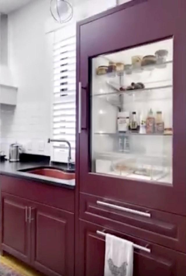 #9 Prozirni hladnjak..