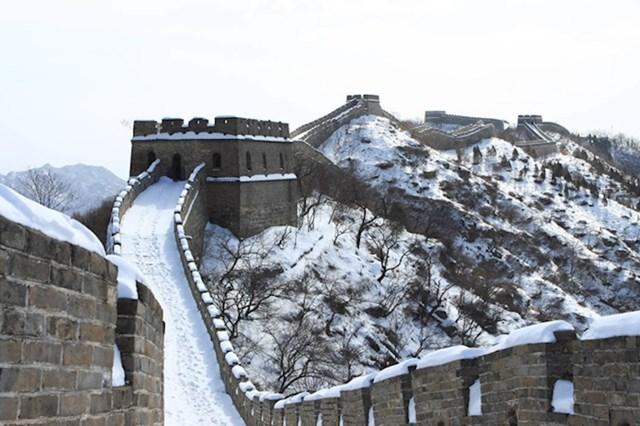 14. Kineski zid ima najdužu snježnu stazu.
