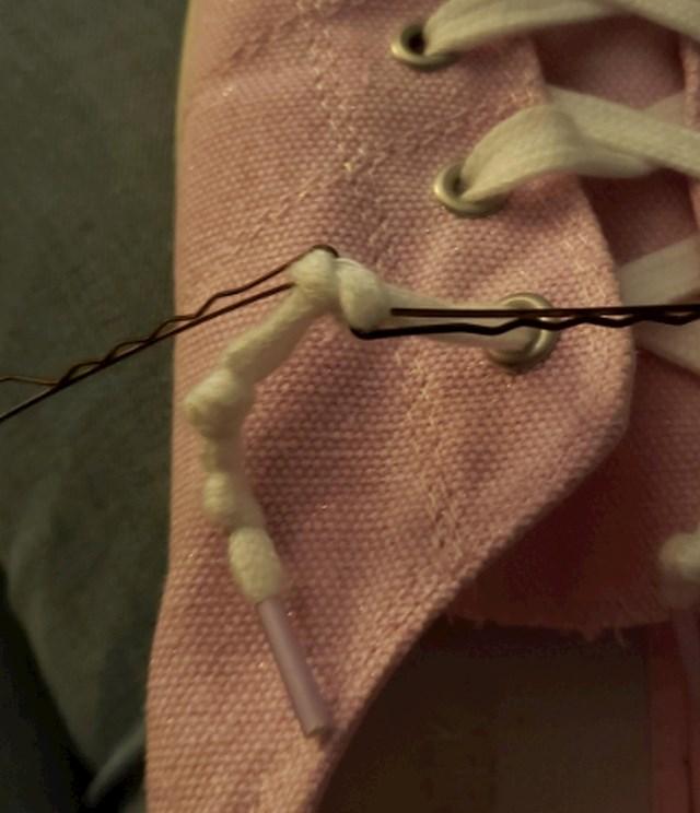 #10 Ukosnice vam mogu pomoći da se pobrinete za tvrdoglave vezice.