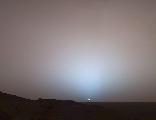 Sunce ne izgleda tako loše kad se gleda s površine Marsa, zar ne?