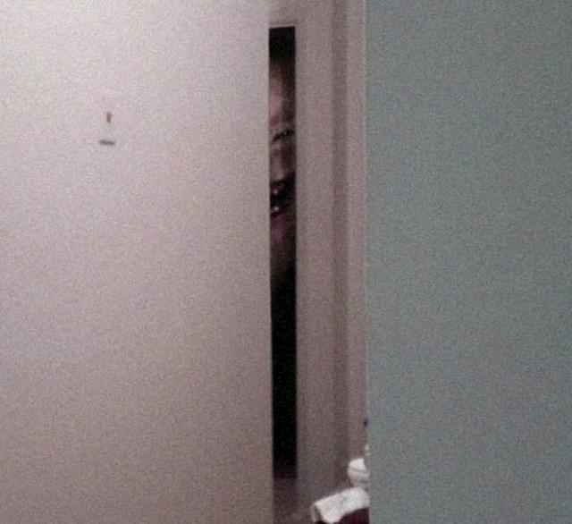 Ovo je samo pukotina na vratima.