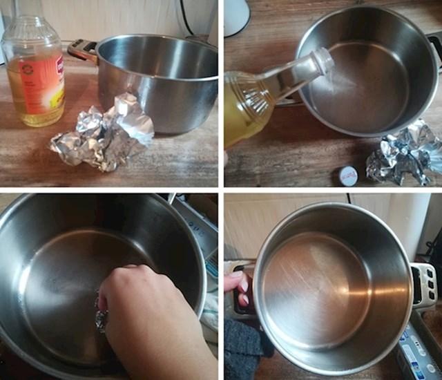 9. Koristite aluminijsku foliju i jabučni ocat za uklanjanje mrlja od komaneca.