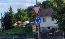 Ovog ima samo u Sloveniji. Pogledajte tko se nonšalantno prošetao preko kružnog toka