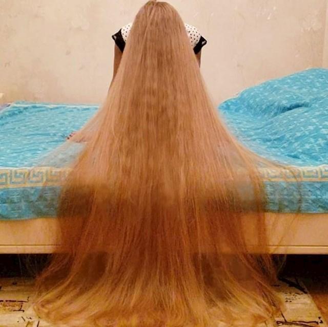 I dok je za brigu o tako dugoj i lijepoj kosi potrebno neko vrijeme, Alena kaže kako joj nije toliko teško jer apsolutno voli kosu.