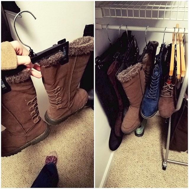#6 Vješalice vam mogu pomoći i za organiziranje cipele.