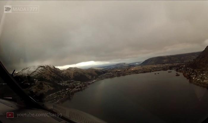 VIDEO Pilot zaronio u oblake i snimio prekrasne prizore prilikom slijetanja u grad okružen planinama