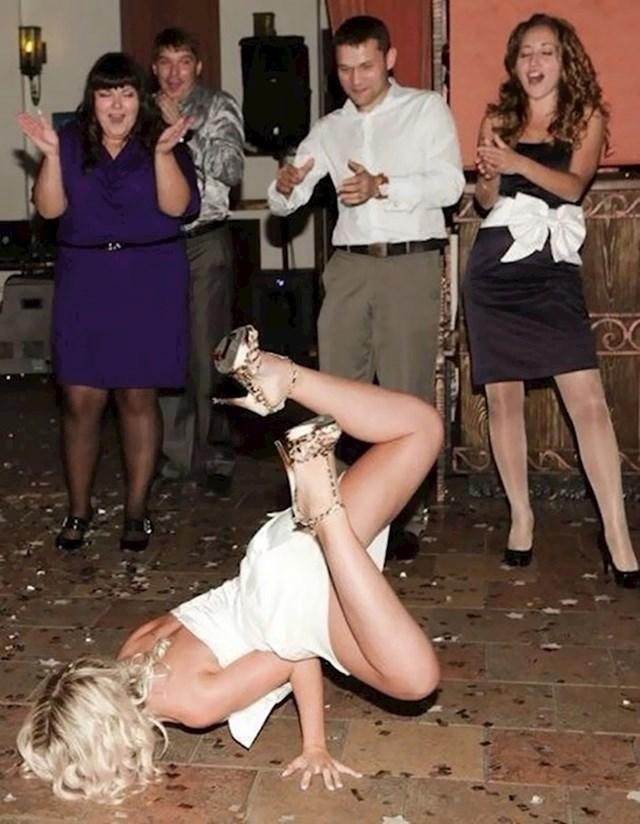 Ovakav prvi ples nitko nije očekivao