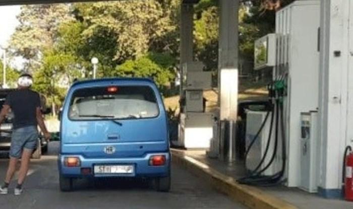 Tip u Splitu otišao po gorivo i postao hit na Facebooku. Odmah će vam biti jasno zašto
