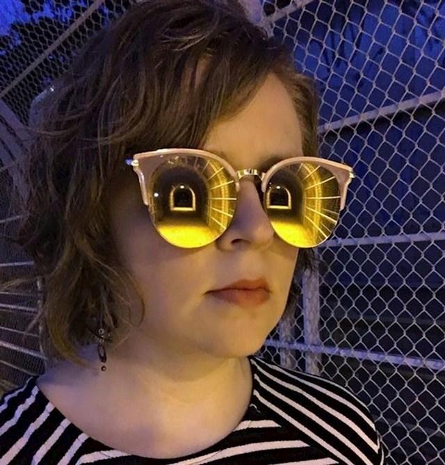 Odraz ovog tunela u naočalama