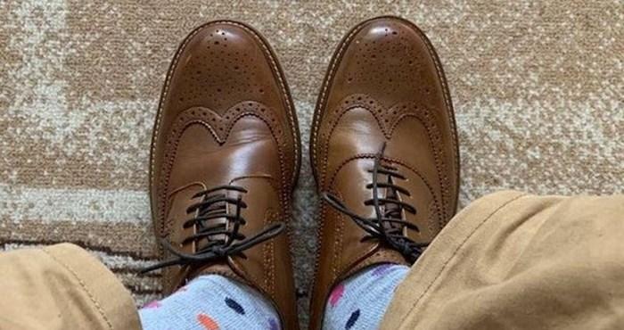 Čovjek je kupio ove cipele i tek nakon mjesec dana shvatio što je napravio. Vidite li vi?