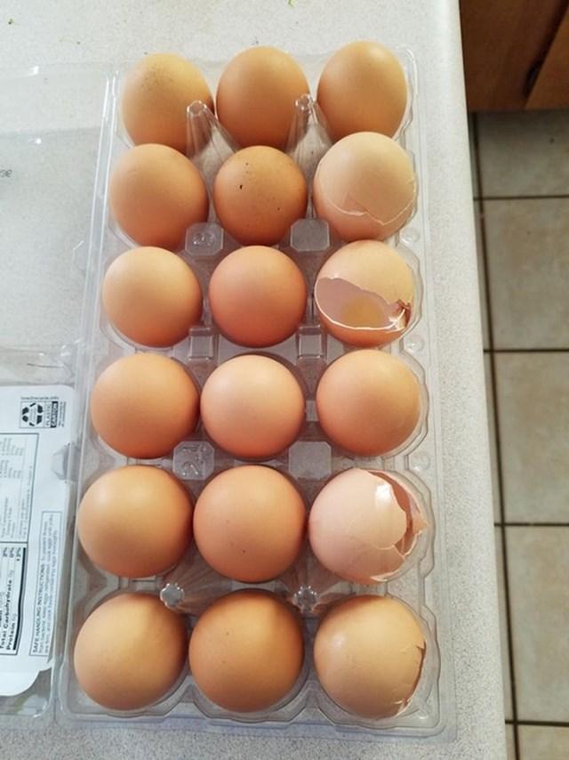 Moja supruga vraća ljuske jaja s cijelim jajima natrag u hladnjak