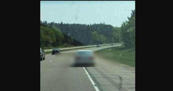 Kratko i jasno: ovaj vozač nije normalan!