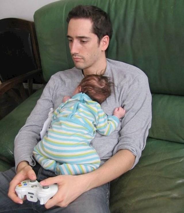 Isto tako mora se ponekad i uživati, također s djetetom u ruci