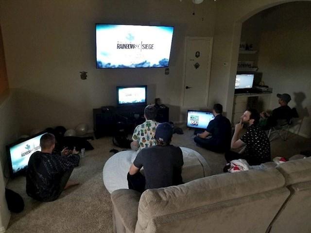 Umjesto momačke zabave priredili su mu LAN party