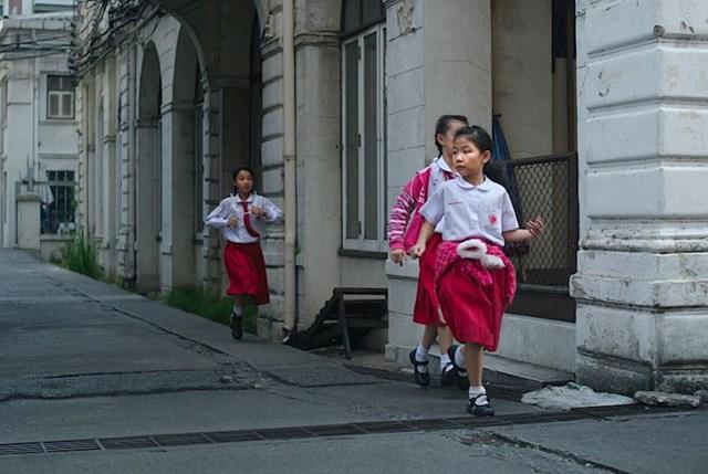 6. Gotovo svi učenici moraju nositi školske odore