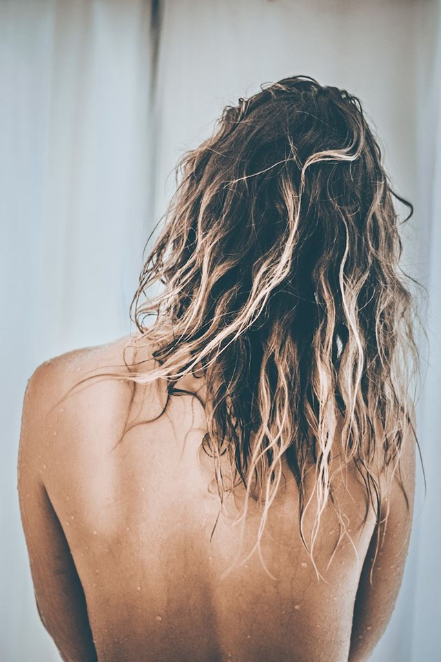 Klupka kose svugdje po kući, začepljeni odvodi nakon tuširanja