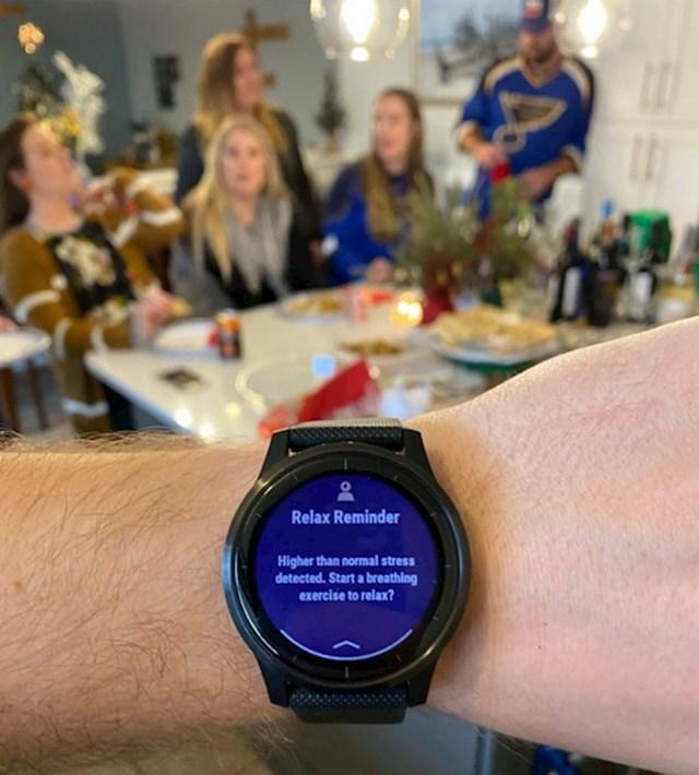 Nakon blagdanskog popodneva kod obitelji moje supruge smartwatch me upozorio na prekomjernu količinu stresa