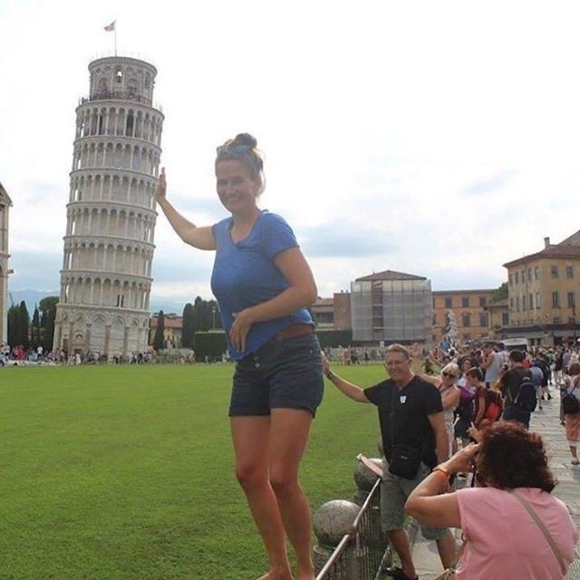 Kad želiš fotku s kosim tornjem, a dobiješ ovo