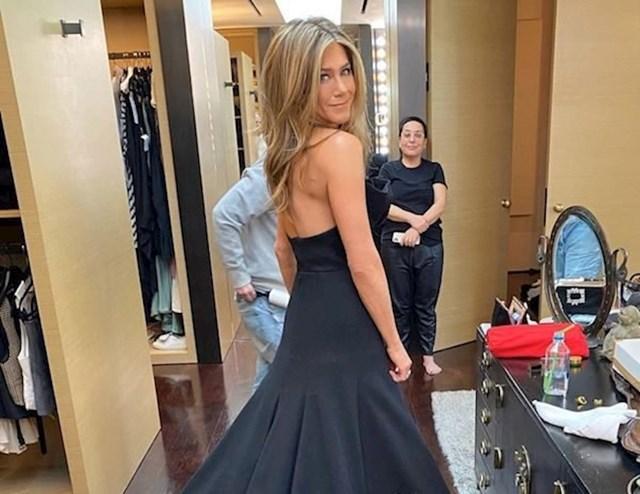 Jennifer Aniston - 52