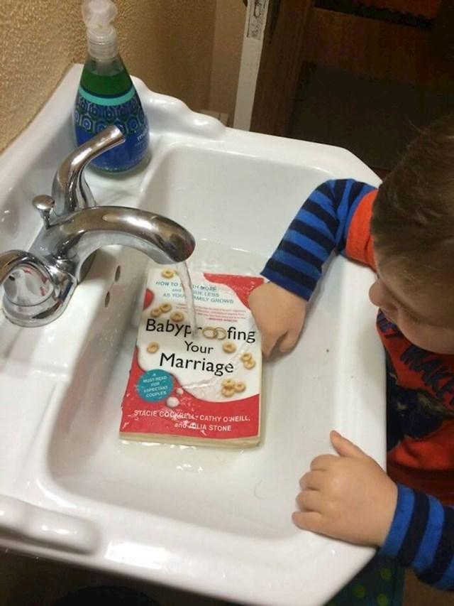 Oprao nam je knjigu