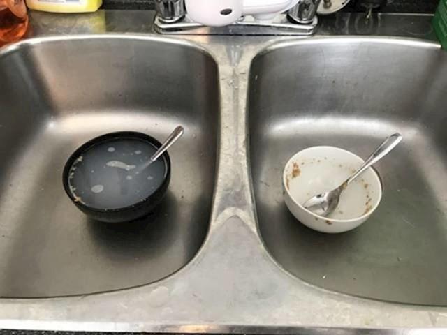 Napunite li prljavo posuđe vodom ili ne?
