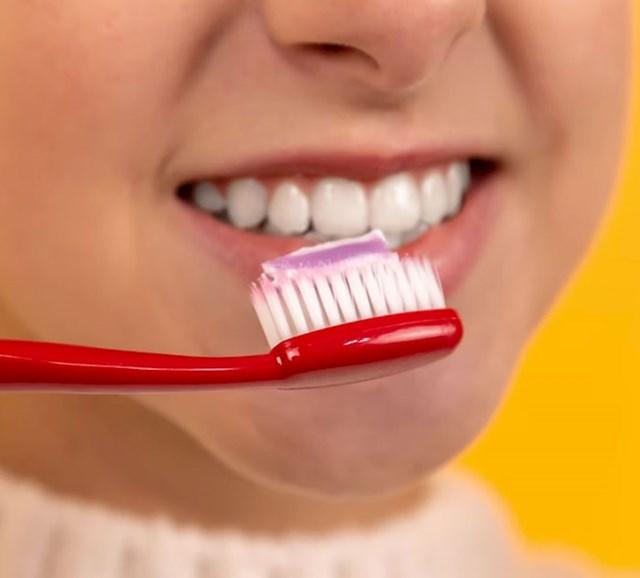 Brinite se za svoje zube u mladosti inače ćete imati problema kad budete stariji, četkajte i idite redovito na preglede