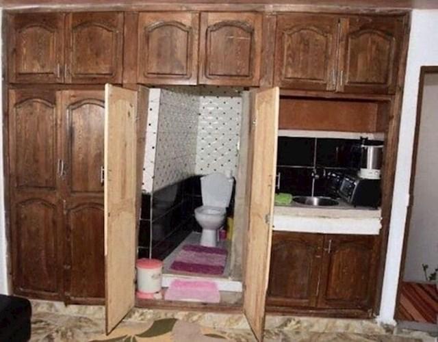 Kad iznajmiš sobu s WC-om