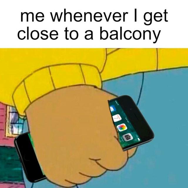 """Svaki put treba """"dodatno osigurati"""" mobitel kad se približiš rubu balkona"""