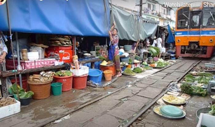 Nevjerojatna tržnica na željezničkim tračnicama