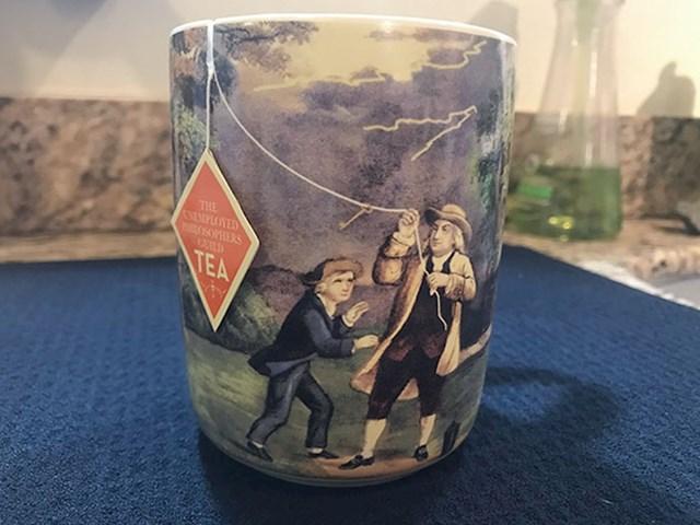 Šalica za čaj s genijalnim dizajnom