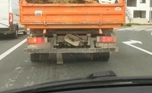 Čovjek pored Splita odlučio da ljetu nije kraj i ponio ga u kamionu, pogledajte i sami