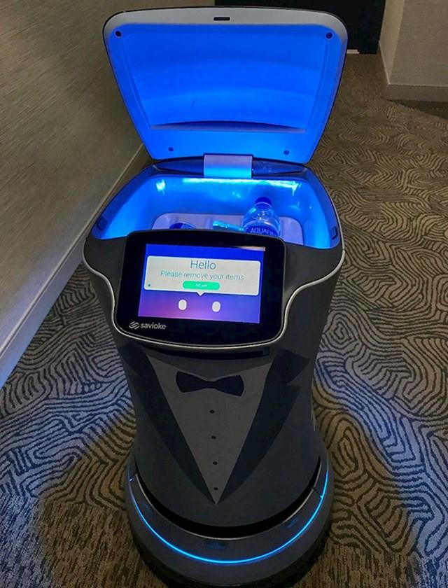 U ovom hotelu dostavu u sobe vrši robot