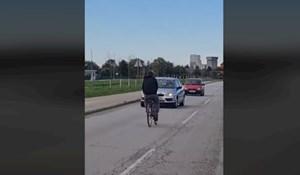 Bizarna snimka iz Čakovca: Ljudi su odmah zvali policiju kad su vidjeli što izvodi tip na biciklu