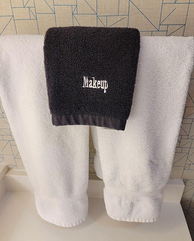 Imaju posebne ručnike za skidanje šminke