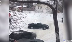 Zaglavili su u snijegu, način na koji su se izvukli je urnebesan i genijalan