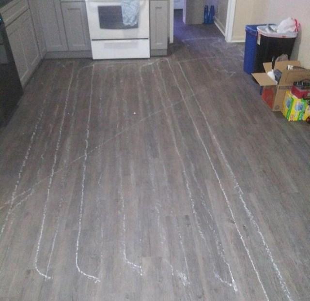 Renovirma stan i Roomba je naletjela na komadić knaufa