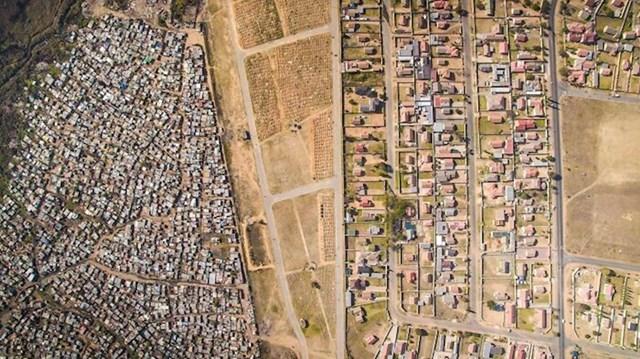 Nejednakost u Tembisi, Južna AfrikaLAs