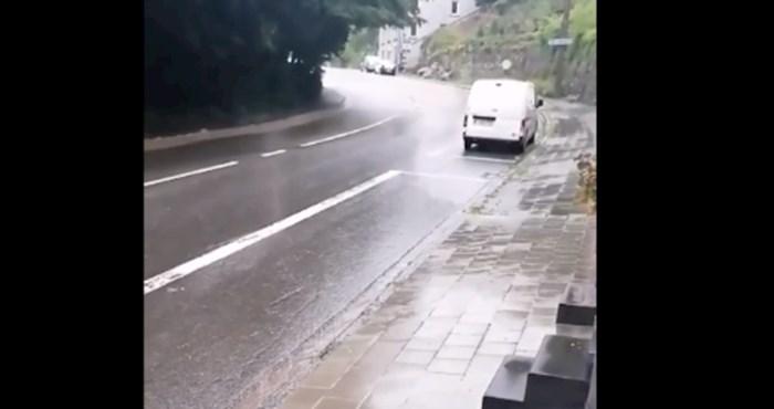 Strašna snimka iz Belgije: bujica vode u samo tri minute potpuno uništila ulicu