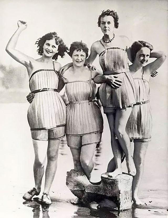 Drveni kupaći kostimi iz 1929. godine