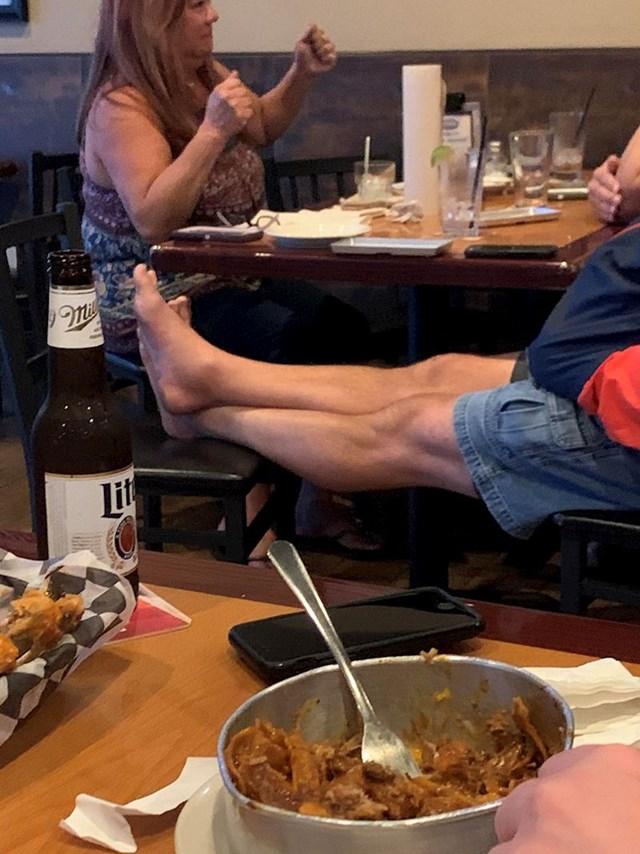 Nikad ovo ne radite u restoranu