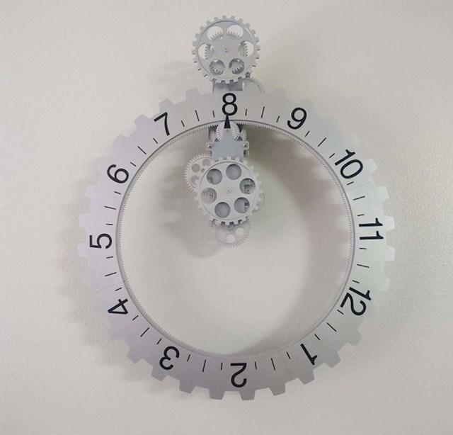 Sat u kojem se miču brojevi, ne kazaljke