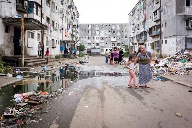 Ferentari, najsiromašnije područje Bukurešta, Rumunjska - u većini stanova žive skvoteri i nemaju struju, teško je vjerovati da je to u Europskoj uniji