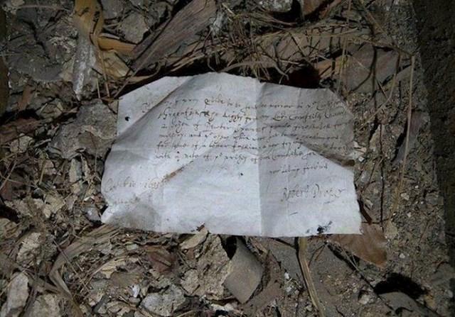 Ispod drvenih greda pronašla je šoping listu staru 150 godina