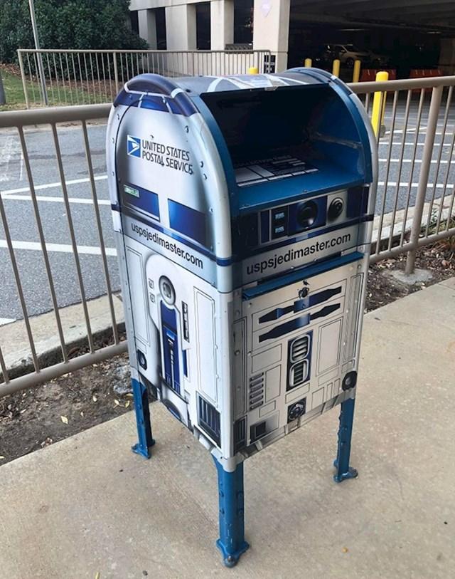 Poštanski sandučić kao R2D2