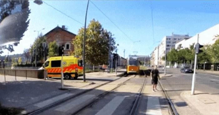 Pukom srećom je izbjegao udar vlaka, ali jednu stvar ipak nije uspio izbjeći